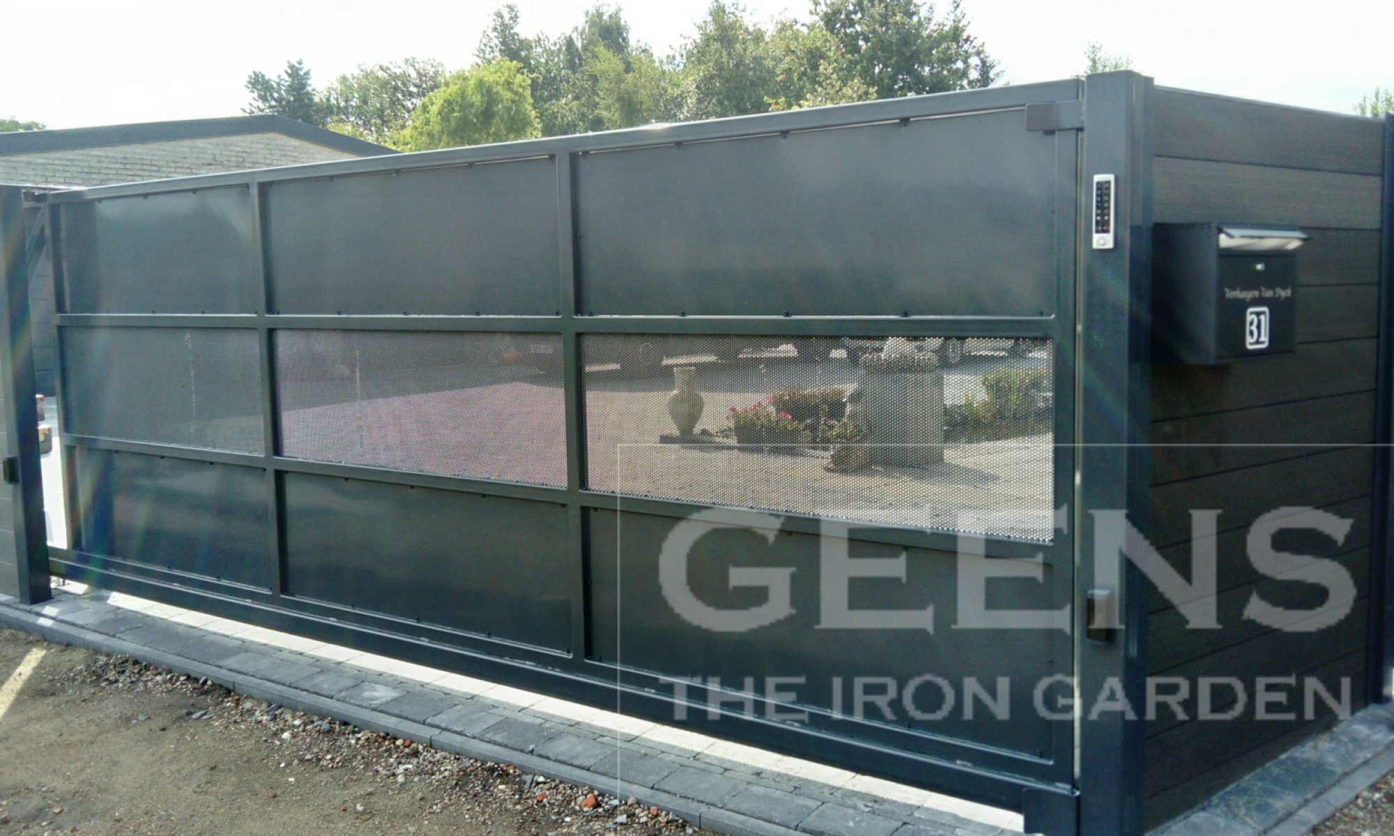Geens - The Iron Garden